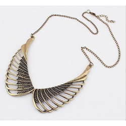 Sale - Vòng cổ cánh thiên thần vintage