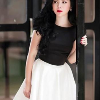 Set áo đen tay con chân váy trắng xòe cực dễ thương DV597