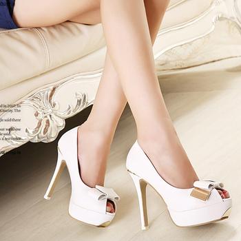 f3979.com - C112 - Giày cao gót nơ trắng