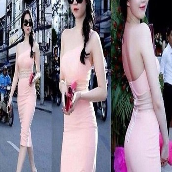 Đầm ôm lệch vai hở lưng màu hồng dễ thương quyến rũ DOV12