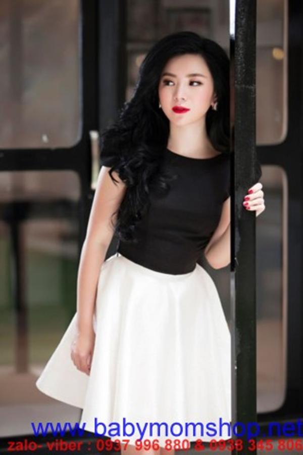 Set áo đen tay con chân váy trắng xòe cực dễ thương DV597 1