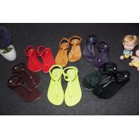 Giày sandals xỏ ngón 18