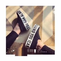 Giày bánh mì đế chữ màu đen