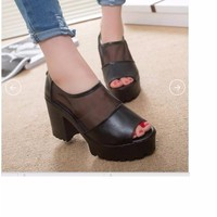 Giày cao gót phối lưới phong cách Hàn Quốc