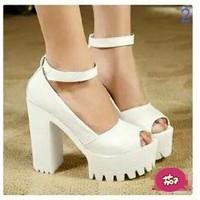 Giày cao gót quai choàng cổ cực xinh