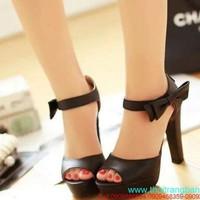 Giày cao gót màu đen hở mũi phối nơ bên hông cực đẹp GC119