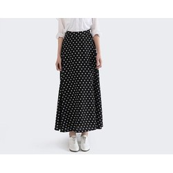 Chân váy maxi chấm bi