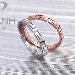 Nhẫn titan cách điệu thời trang hàng hiệu vàng hồng