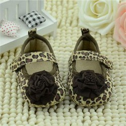 Giày vải tập đi bé gái đính hoa xinh xắn, kiểu dáng dễ thương