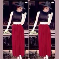 Sét áo croptop ren chân váy maxi đỏ