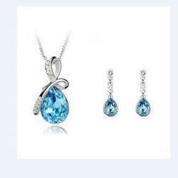 Bộ trang sức giọt nước xanh lung linh