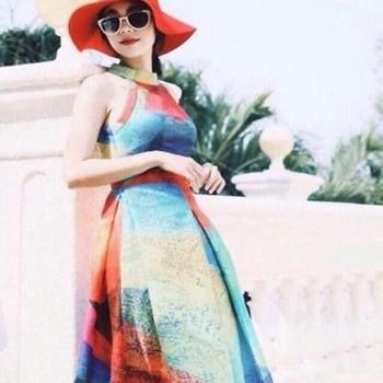 Đầm xòe thiết kế cổ yếm màu sắc nổi bật DXV40