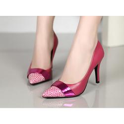 Giày cao gót mũi nhọn da beo phong cách