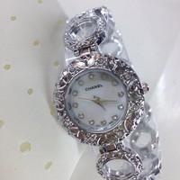 Đồng hồ lắc tay nữ giá rẻ Chanel CnS036
