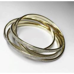 Bộ vòng tay lồng vào nhau chât liệu lấp lánh