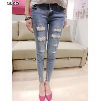 Quần jeans skinny ren rách Mã: QD642