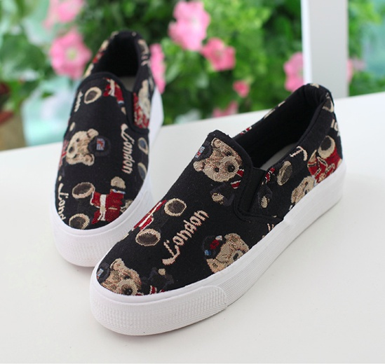 Giày slip on gấu đen G670 9