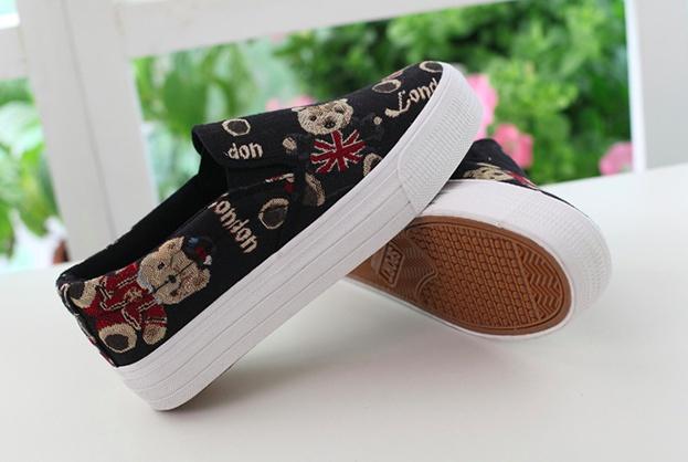 Giày slip on gấu đen G670 10