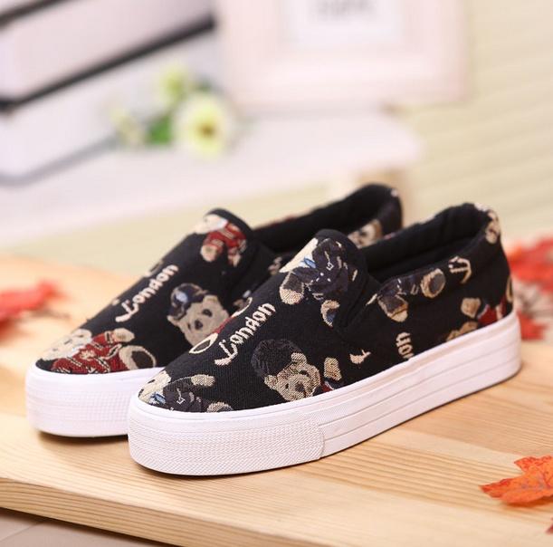 Giày slip on gấu đen G670 5