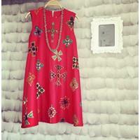 Đầm suông sát nách họa tiết hoa văn Varcara