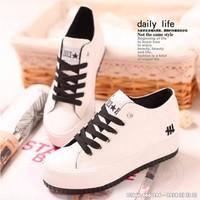 Giày bánh mì màu trắng G802-T