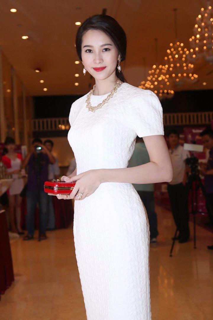 Đầm Công Sở Ép Hoa TAXM2181 1