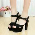 Giày cao gót sang trọng thời trang