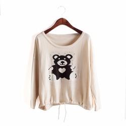 Áo thun họa tiết hình chú gấu dễ thương - AT032