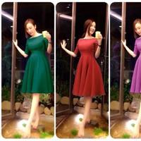 Đầm xòe cổ thuyền tay lỡ giống Angela Phương Trinh