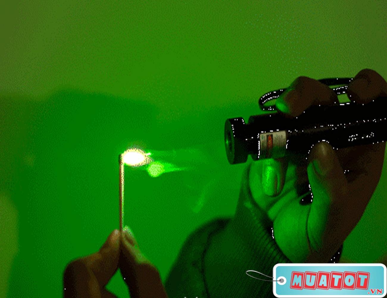 Đèn Pin Laser Pointer 303 3