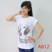 Áo thun nữ form rộng in hình AB12