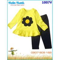 Bộ dài tay thêu đắp hoa dún bèo lai cho bé ấm áp chiều mưa