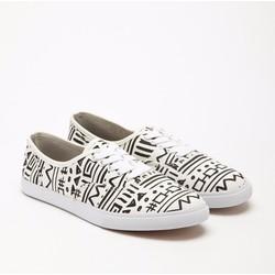 Giày sneakers chính hãng của Mỹ họa tiết thời trang