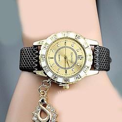 Đồng hồ thời trang thiết kế tinh tế