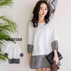 Đầm trắng tay bo phối sọc caro đen