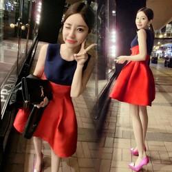 Đầm xòe không tay phối màu đỏ xanh đen cách điệu cá tính