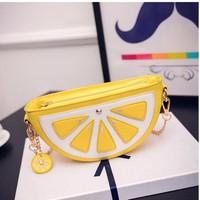 Túi đeo chéo New Look yellow lemon clutch