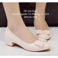 Giày gót vuông đính nơ vuông 3p màu kem-GX234