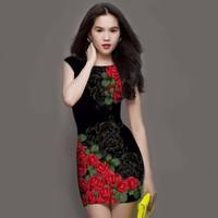 Đầm Họa Tiết Hoa Hồng Đỏ
