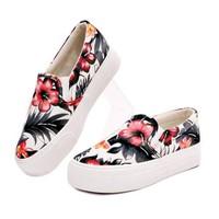 Mozy- Giày slip on hoa đỏ xinh xắn MZSL01