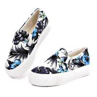 Mozy -Giày slip on hoa xanh xinh xắn MZSL02