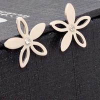 Bông tai Titan trắng Hàn Quốc Hoa 5 cánh - Trang sức Titan
