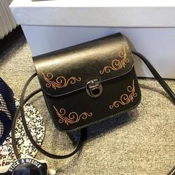 Túi xách họa tiết retro