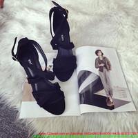 Giày cao gót màu đen thiết kế sành điệu mang cực đẹp GCN167