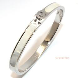 Vòng tay Titan CC trắng sang trọng - Trang sức Titan