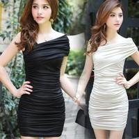 Đầm body lệch vai cực quyến rũ cho nàng thêm đẹp trong đêm tiệc