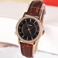 Đồng hồ dây da mobi cực đẹp sành điệu cho các bạn nữ