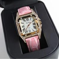 Đồng hồ CAIQI với thiết kế nhỏ nhắn xinh xắn.màu hồng