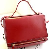Túi xách chất liệu Simili bền đẹp với màu sắc tươi sáng sang trọng