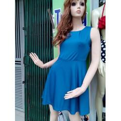 Váy xòe một màu trẻ trung cho bạn gái
